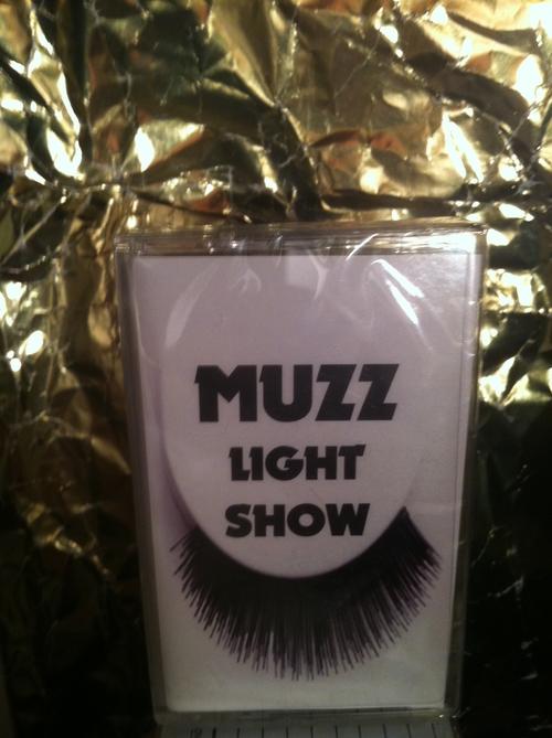 MUZZ - LIGHT SHOW